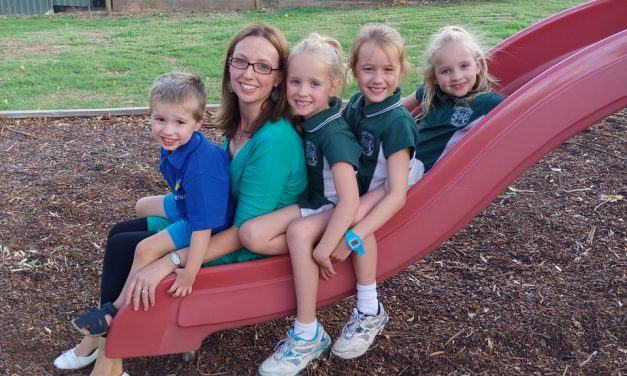 Murrumbateman families welcome primary school site announcement but community reacts strongly to location