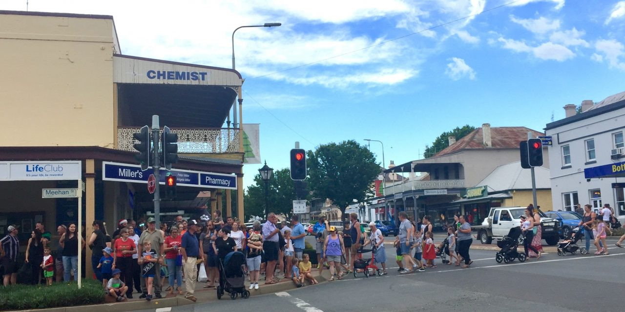 """""""Haven't seen this many people in Yass for thirty years"""" – Yass Local attending Christmas Street parade"""